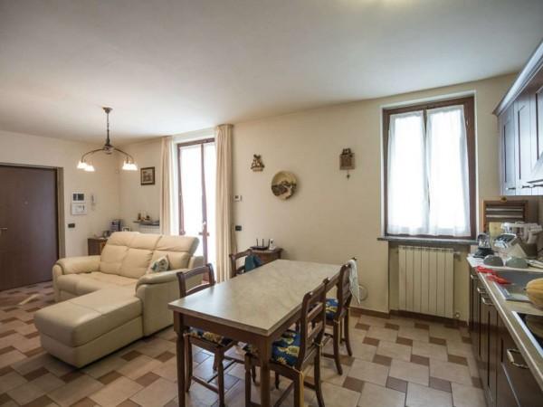 Appartamento in vendita a Cittiglio, Centro, Con giardino, 70 mq
