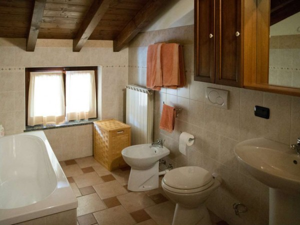 Appartamento in vendita a Cittiglio, Centro, Con giardino, 70 mq - Foto 19