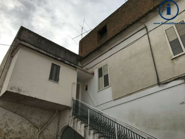 Appartamento in vendita a Caserta, 80 mq
