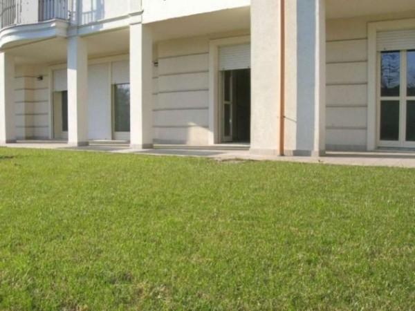 Appartamento in vendita a Brescia, Urago, Con giardino, 187 mq