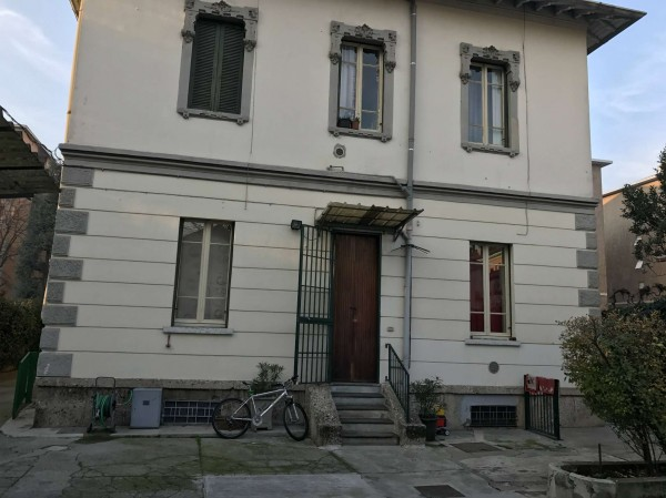 Rustico/Casale in vendita a Monza, 180 mq