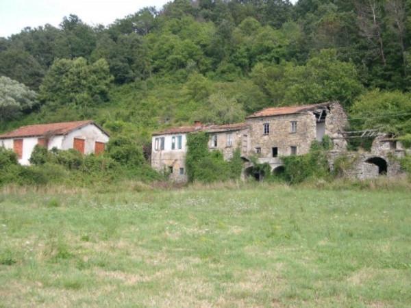 Rustico/Casale in vendita a Varese Ligure, Periferica, Con giardino, 600 mq