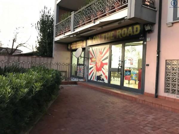 Locale Commerciale  in vendita a Caserta, 170 mq - Foto 2