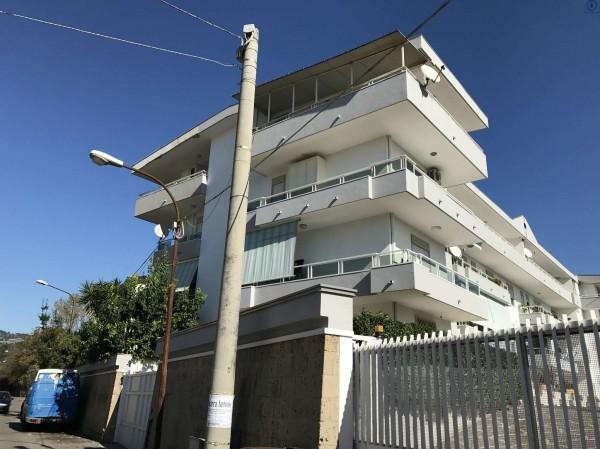 Appartamento in vendita a Caserta, 85 mq