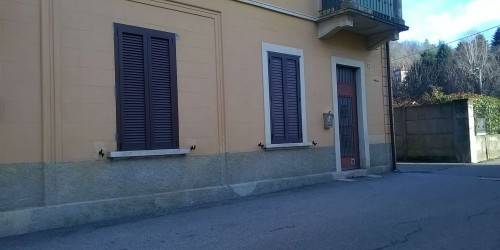 Locale Commerciale  in affitto a Gavirate, Armino, 25 mq