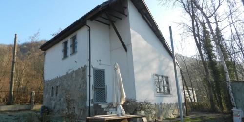 Casa indipendente in vendita a Avigliana, Con giardino, 95 mq