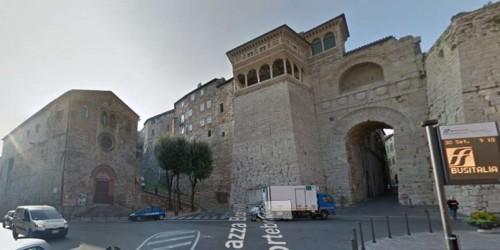 Locale Commerciale  in vendita a Perugia, Università Stranieri, Arredato, 30 mq