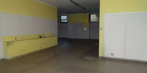 Negozio in affitto a Mondovì, Carassone, 150 mq