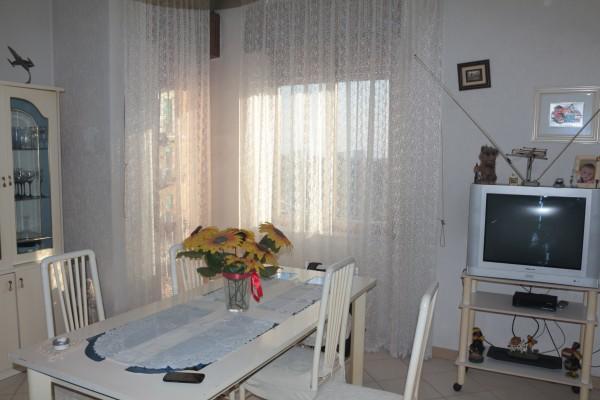Appartamento in vendita a Napoli, Capodichino, 100 mq