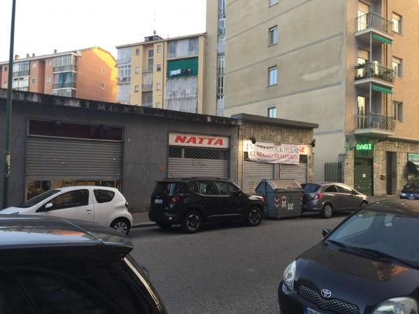 Negozio in affitto a Torino, 65 mq