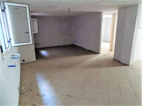 Casa indipendente in vendita a Biandronno, 300 mq - Foto 4