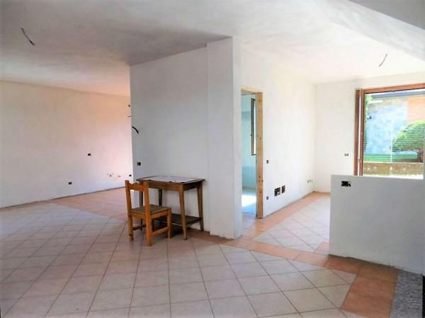 Casa indipendente in vendita a Biandronno, 300 mq - Foto 10