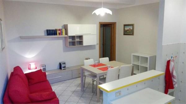 Locale Commerciale  in affitto a Perugia, Arredato, 65 mq