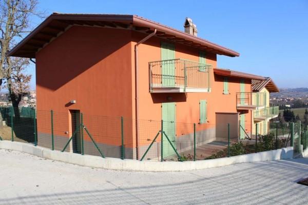 Locale Commerciale  in vendita a Torgiano, Con giardino, 220 mq - Foto 1