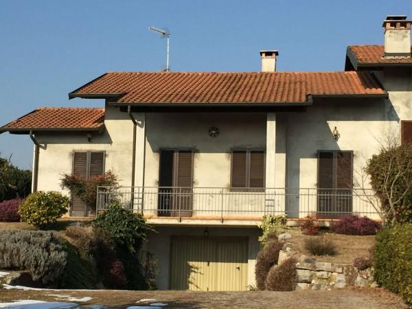 Villa in vendita a Besozzo, Alta, Arredato, con giardino, 230 mq