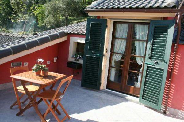 Villetta a schiera in vendita a Avegno, Con giardino, 210 mq