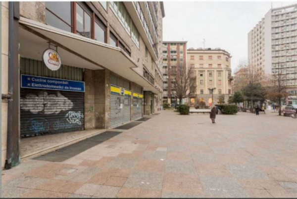Locale Commerciale  in vendita a Sesto San Giovanni, Mm Rondò, 95 mq - Foto 3