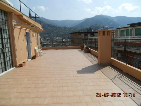 Appartamento in vendita a Rapallo, Centro Città, 150 mq