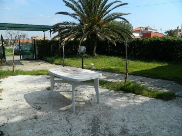 Appartamento in vendita a Ardea, Residence Tirrenella, Con giardino, 80 mq