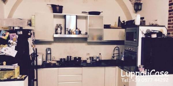 Appartamento in vendita a Siena, 100 mq