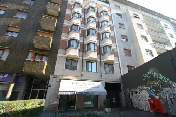 Immobile in vendita a Milano, Corso Di Porta Romana, Con giardino