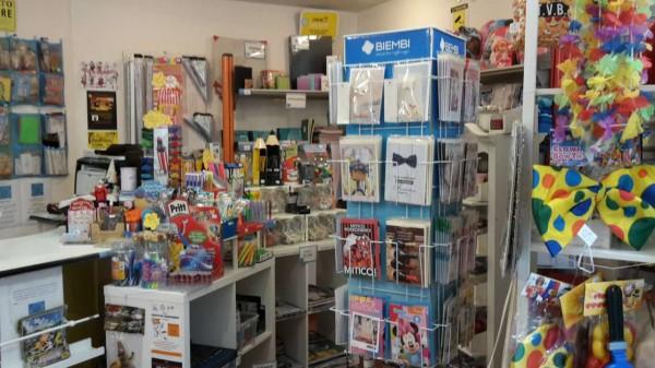 Locale Commerciale  in vendita a Lodi Vecchio, Arredato, 40 mq