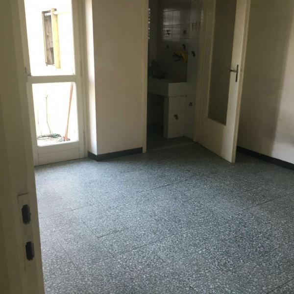 Appartamento in affitto a Asti, Est, 65 mq