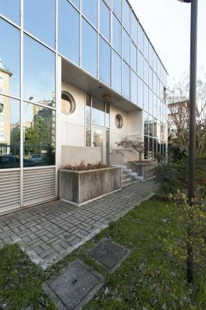 Ufficio in affitto a Corsico, 750 mq