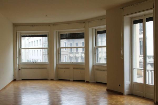 Appartamento in affitto a Milano, Via Serbelloni, 250 mq