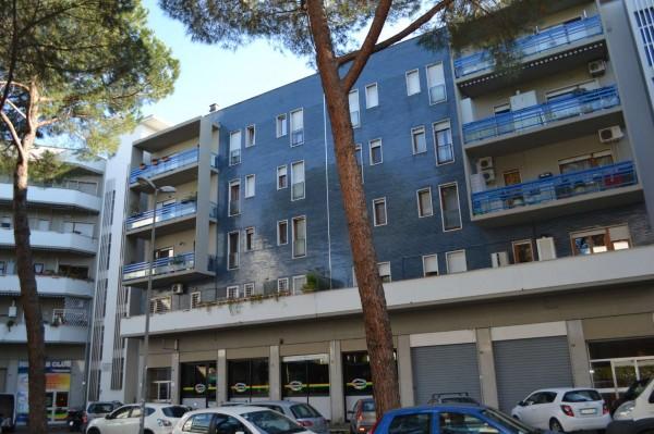 Appartamento in vendita a Roma, Mostacciano, 95 mq