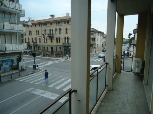 Appartamento in vendita a Padova, Prato Della Valle, 140 mq - Foto 2