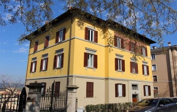 Locale Commerciale  in vendita a Perugia, 140 mq - Foto 1