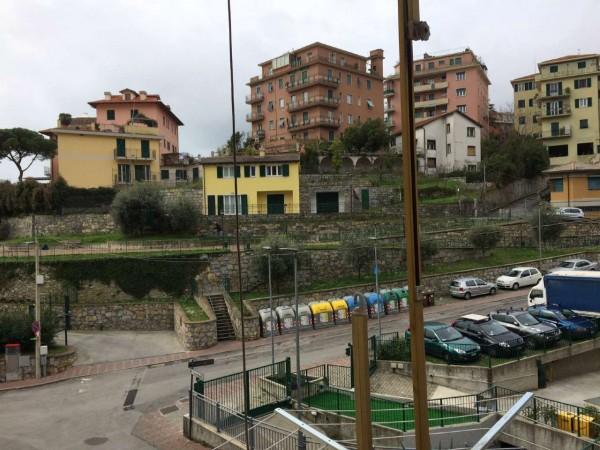Appartamento in vendita a Rapallo, Centrale, 50 mq