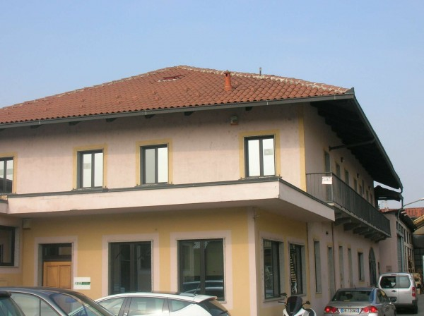 Capannone in affitto a Torino, Con giardino, 320 mq