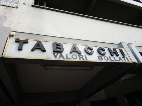 Locale Commerciale  in vendita a Firenze, Arredato, 21 mq - Foto 1