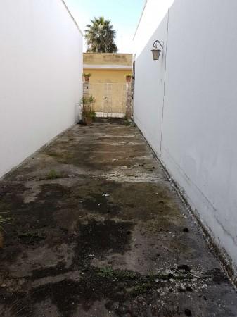 Casa indipendente in vendita a Copertino, Con giardino, 180 mq - Foto 3
