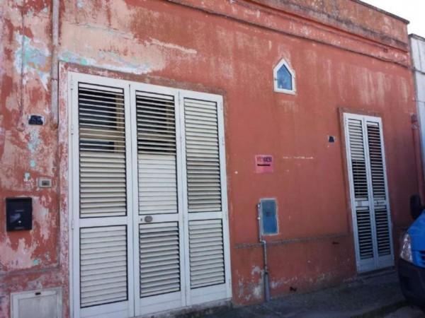 Casa indipendente in vendita a Copertino, Con giardino, 155 mq - Foto 2