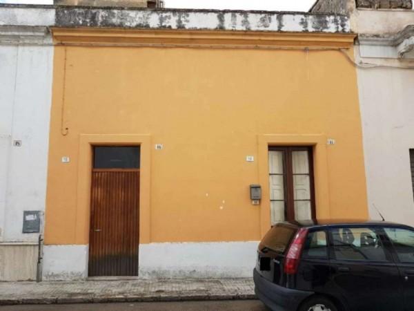 Casa indipendente in vendita a Copertino, Con giardino, 70 mq