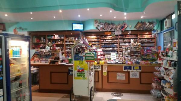 Locale Commerciale  in vendita a Asti, Tanaro, Arredato, 75 mq