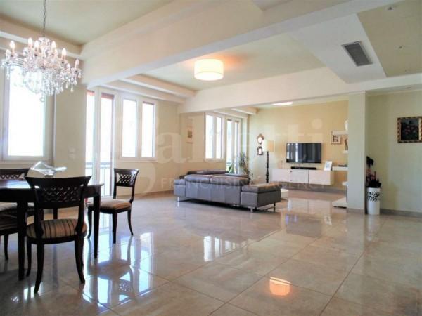 Appartamento in vendita a Firenze, Campo Di Marte, 200 mq