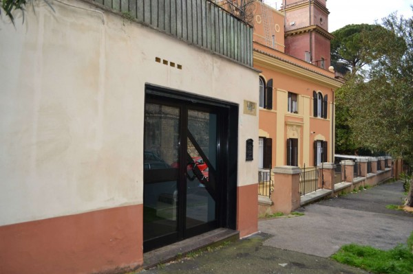 Locale Commerciale  in vendita a Roma, Balduina, 30 mq - Foto 1