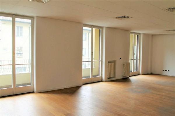 Appartamento in vendita a Milano, Magenta, 230 mq