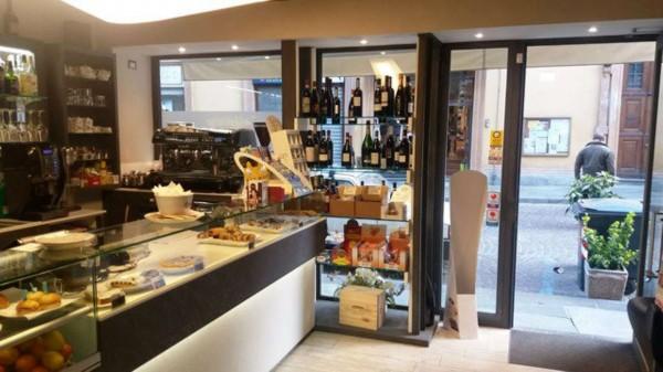 Locale Commerciale  in vendita a Asti, Centro Storico, Arredato, 90 mq