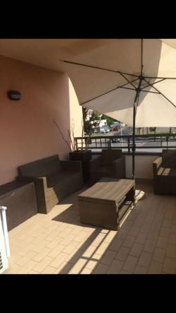 Appartamento in vendita a Arese, 100 mq