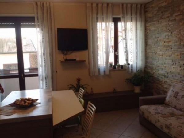 Appartamento in vendita a Dairago, 80 mq