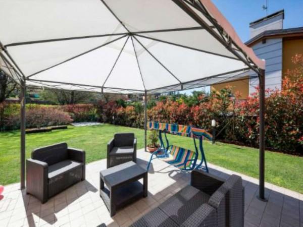 Villa in vendita a Galliate Lombardo, Arredato, con giardino, 126 mq
