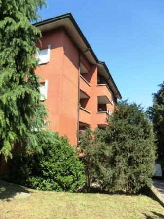 Appartamento in vendita a Rho, 65 mq
