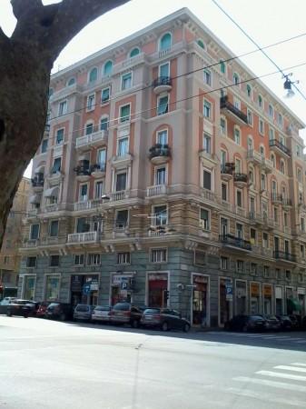 Appartamento in vendita a Genova, 160 mq