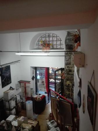 Negozio in vendita a Genova, Centro Storico, 31 mq
