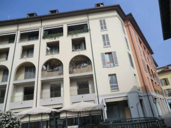 Appartamento in vendita a Bollate, Arredato, 65 mq